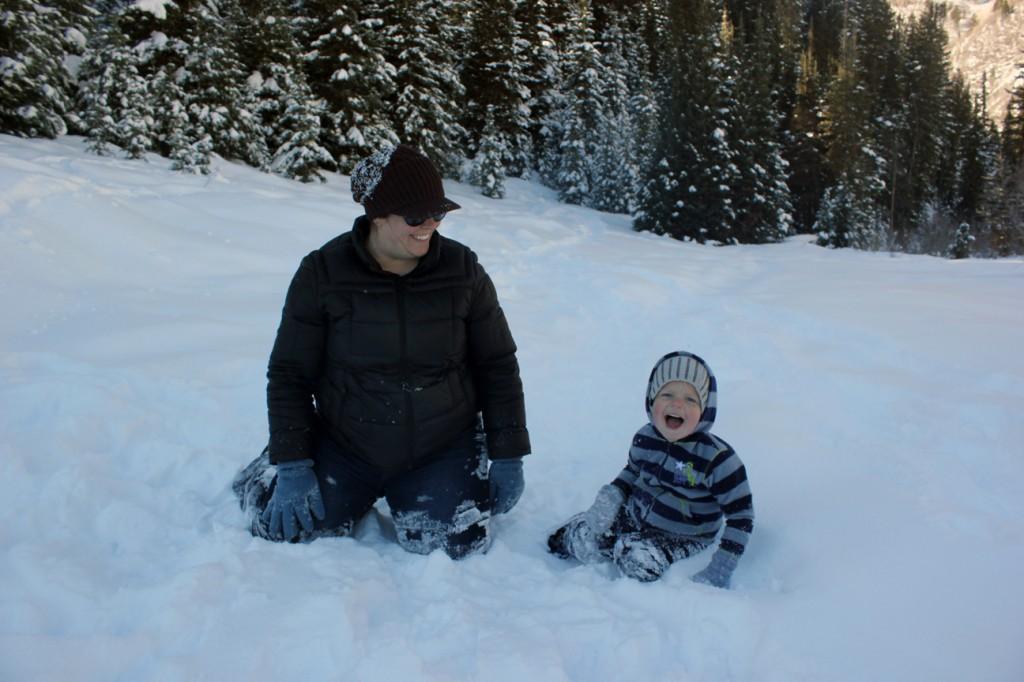 Ezra in snow 115